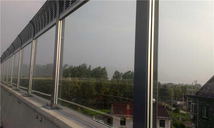 隔音屏中透明部分常采用的材料及其特点