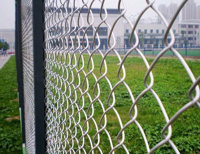 编织网隔离栅